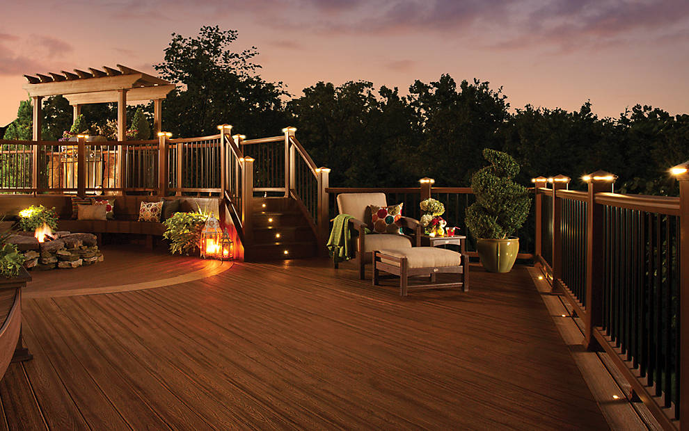 trex-deck-lighting
